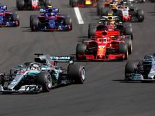 Hamilton wint in Hongarije, Ricciardo naar vierde plek